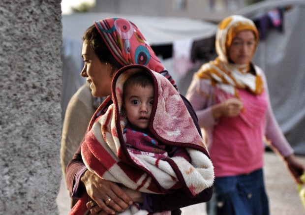 Refugiados deixam a Síria por conta da guerra civil (Foto: Kutluhan Cucel/Getty Images)