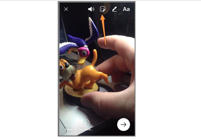 Como fixar stickers em vídeos do Instagram Stories (Foto: Reprodução/Felipe Vinha)