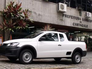 Carro está exposto em frente  à prefeitura (Foto: Gilmar Marques/Ascom Cantagalo)
