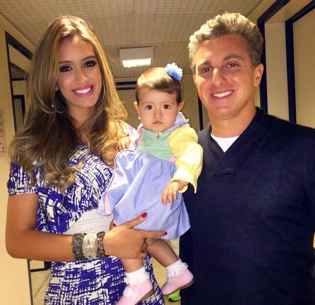 Luciano Huck também tirou foto com a pequena Giovanna (Foto: Arquivo Pessoal)