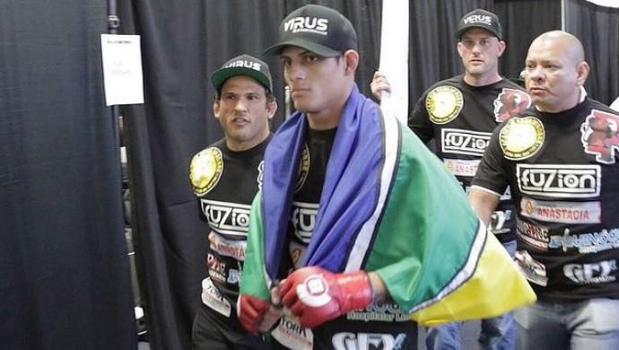 Fabrício Guerreiro lutou contra o conterrâneo John Macapá pelo Bellator 136 (Foto: Reprodução/Facebook)
