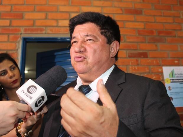 Juiz Antônio Lopes falou sobre a medida aplicada no julgamento (Foto: Gilcilene Araújo/G1)