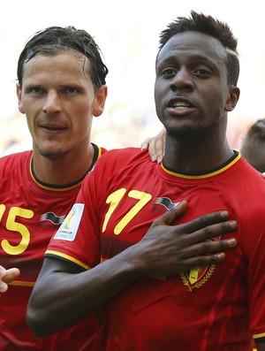 Origi e Van Buyten Bélgica x Rússia (Foto: Reuters)