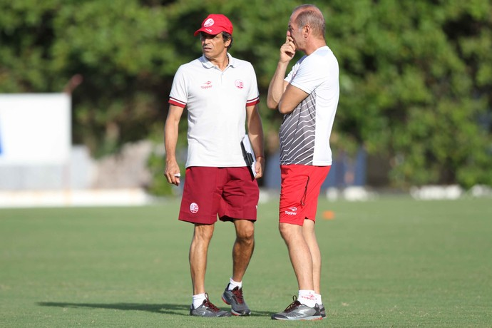 Milton Cruz e Ivan Izzo Náutico (Foto: Marlon Costa/ Pernambuco Press)