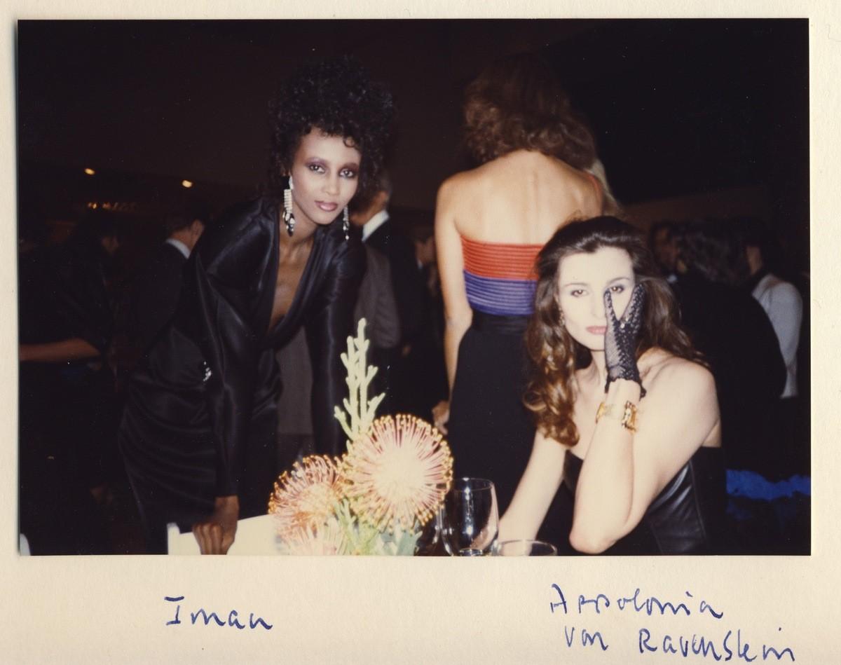 Iman e Apollonia Van Ravenstein. (Foto: Divulgação)
