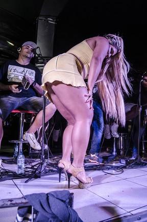 Mulher Filé em show de pagode na Zona Norte do Rio (Foto: Jackson Martins/ Divulgação)