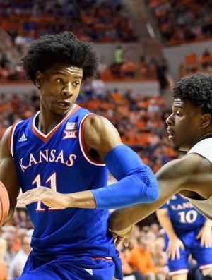 Josh Jackson em ação pela Universidade de Kansas