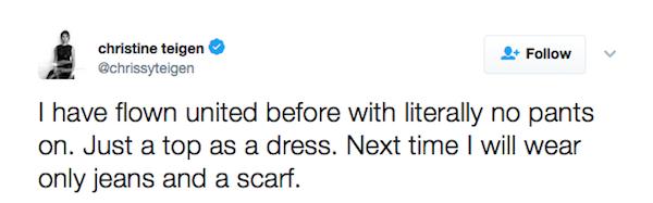 O posicionamento da modelo Chrissy Teigen criticado a companhia aérea United Airlines (Foto: Twitter)