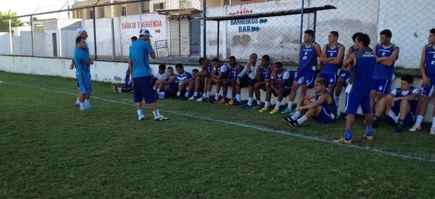 Fé é um dos fatores que os jogadores tem para consegui a classificação (Foto: (Foto: Eri Santos / GE.COM/CARUARU))