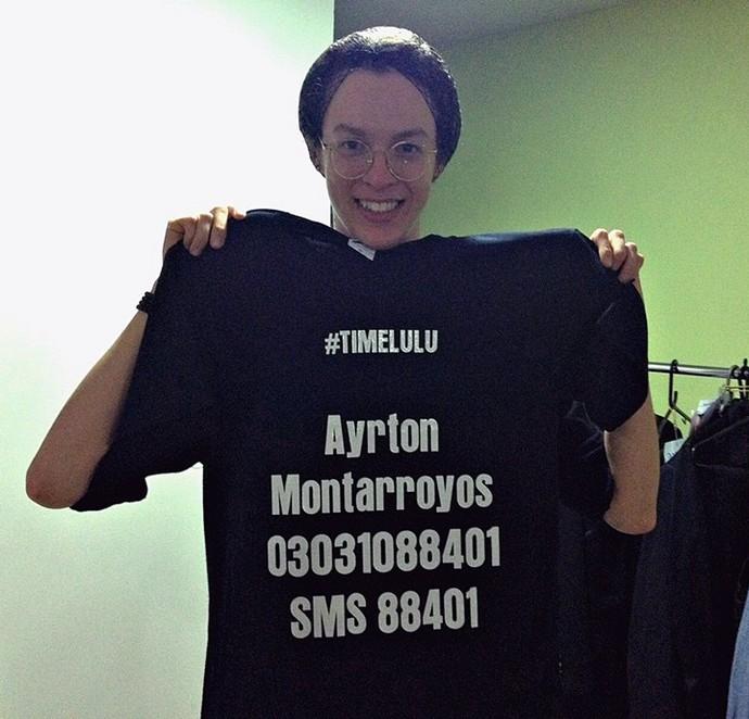 Ayrton fez até uma camisa para pedir votos (Foto: Juliana Hippert / Gshow)