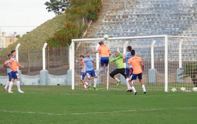 China foca treinos no Prudentão para transformar local em palco de vitórias (Foto: Rogério Mative, Grêmio Prudente / Divulgação)