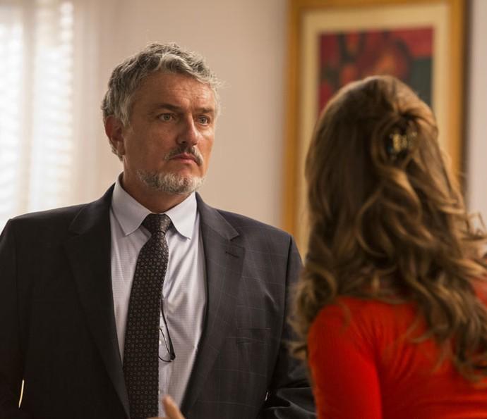 Guido fica chocado ao saber que Tancinha já sabe de tudo (Foto: Inácio Moraes/Gshow)