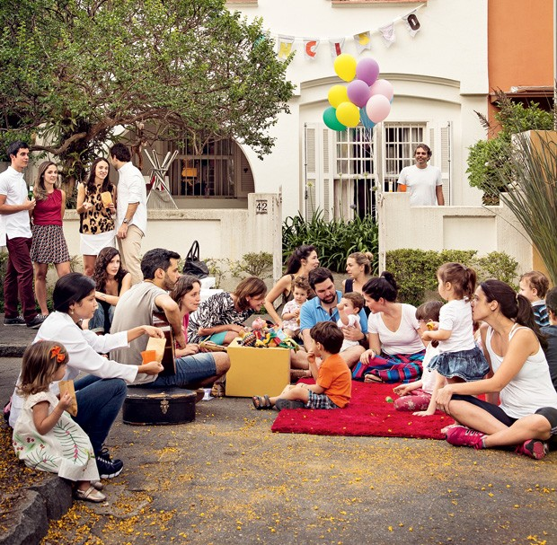 Festa na rua (Foto: Cacá Bratke/Editora Globo)