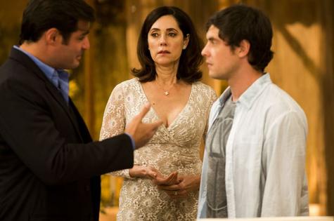 Marcos (Thiago Lacerda), Maria Inês (Christiane Torloni) e Caíque (Sergio Guizé) (Foto: TV Globo)