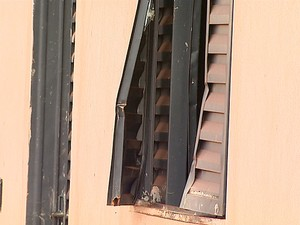 Casas inacabadas são alvo de vândalos em Ipuã, SP (Foto: Mauricio Glauco/ EPTV)