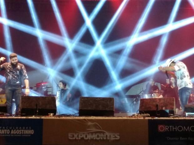 Henrique & Juliano fechou a 42ª Expomontes (Foto: Solon Queiroz)
