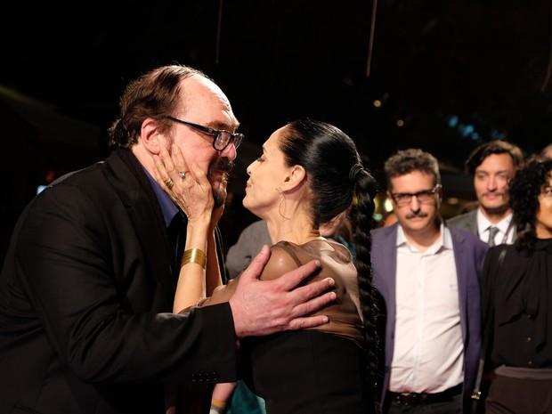 Sonia se surpreendeu com presença do diretor Bruno Bareto (Foto: Edison Vara/Pressphoto)