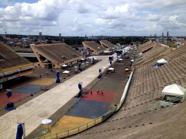 Sambódromo de Manaus receberá o Carnaboi nesta noite (Foto: Jamile Alves/G1 AM)