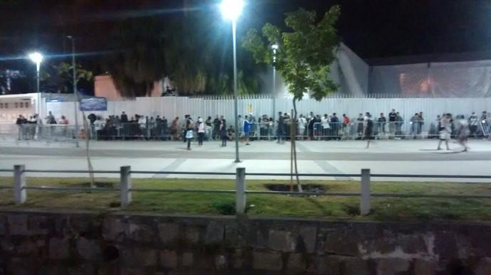 Fila Maracanã (Foto: Cassius Leitão/GloboEsporte.com)