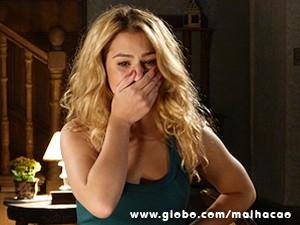 Meg sofre ao ter que contar para Ben (Foto: Malhação / TV Globo)