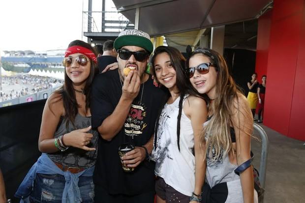 Caio Castro senso atacado por fãs (Foto: Felipe Panfili/Ag.News)