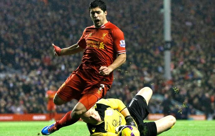 Luis Suárez Liverpool Aston Villa (Foto: Reuters)