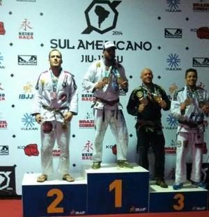 Delegado Pedro Paulo Buzolin foi medalha de prata na categoria absoluto, derrotado pelo atual campeão mundial, Daniel Mola (Foto: Leandro Leri Gross/Arquivo Pessoal)