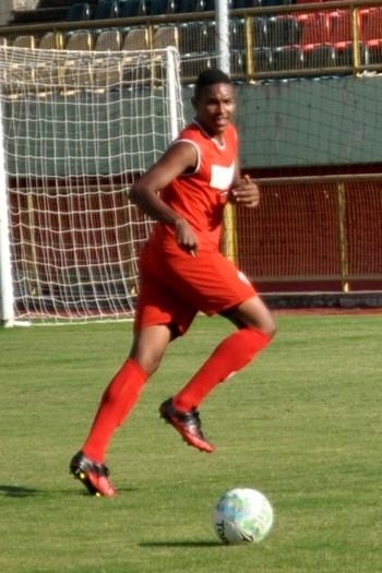 Reginaldo Júnior , zagueiro do Rio Branco Sub-20 (Foto: Nathacha Albuquerque)