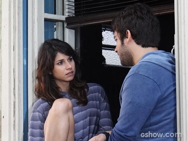 Manu não gosta nada de Davi ajudando Megan (Foto: Geração Brasil / TV Globo)
