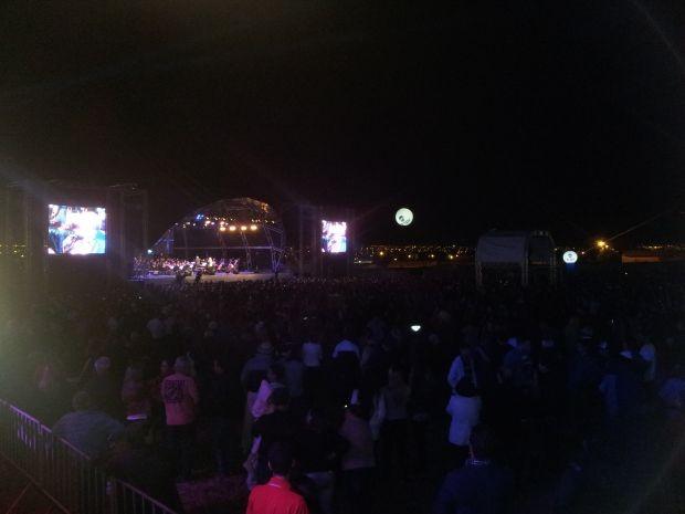 Pelo menos 13 mil pessoas participam do show da TV TEM em Bauru  (Foto: Diogo Souza/ TV TEM )