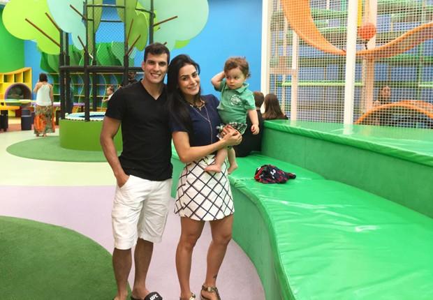 Felipe Sertanejo, Lucilene Caetano e o filho, Theo (Foto: Arquivo Pessoal)