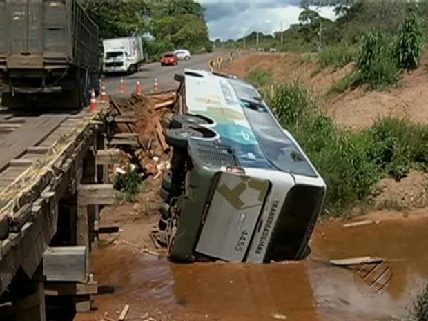 acidente pa-150 goianésia (Foto: Reprodução/ TV Liberal)