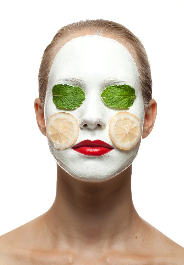 Aposte nas máscaras faciais caseiras (Foto: Flavio Battaiola/Arquivo Vogue)