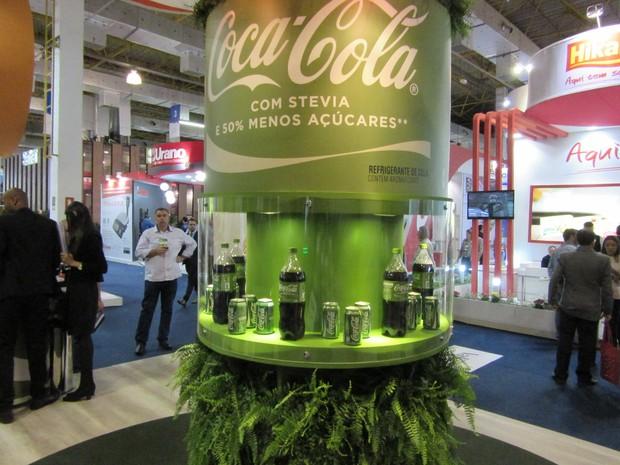 Coca-Cola lançou versão do refrigerante com stevia (um tipo de adoçante de origem natural) e 50% menos açúcares (Foto: Karina Trevizan/G1)