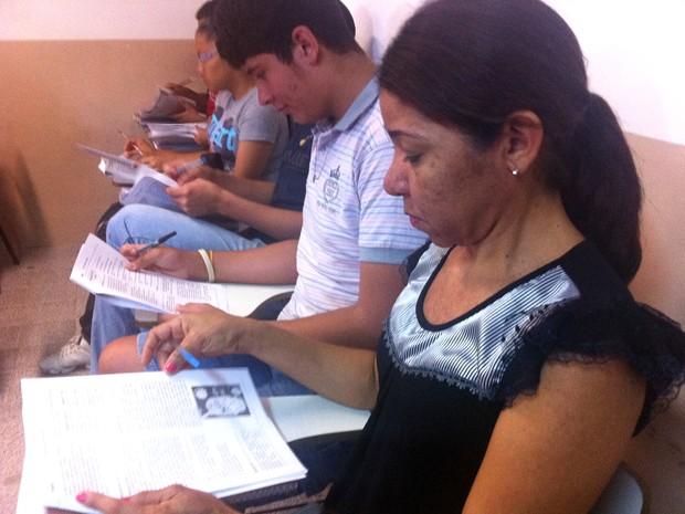 Fátima Rodrigues, 40 anos, faz enem pela primeira vez no Ceará (Foto: Luana Andrade/G1)