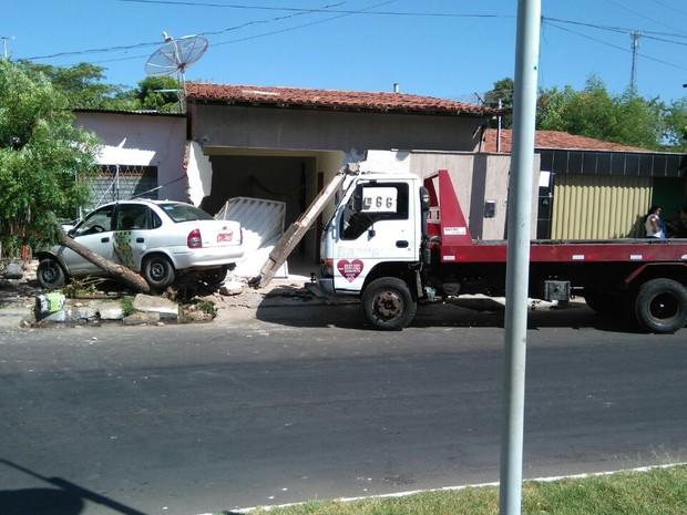 Moradores relataram que foram 10 acidentes em um mês no mesmo local (Foto: Ligia Borges/ Arquivo Pessoal)