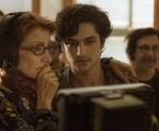 Cássia Kiss e Gabriel Leone nos bastidores de 'Os dias eram assim' | Mauricio Fidalgo/Globo