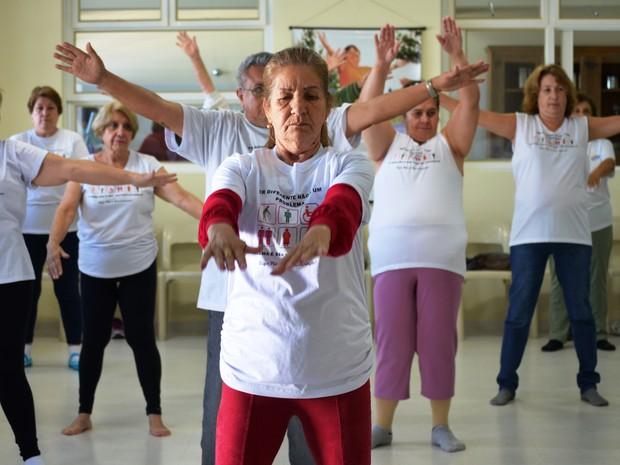 Aula idosos São Carlos (Foto: Carol Malandrino/G1)