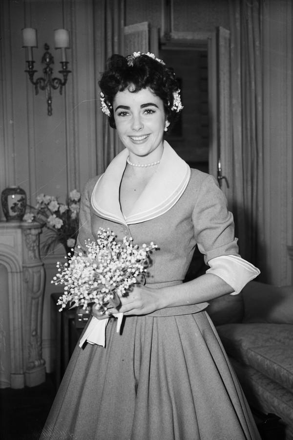 Elizabeth Taylor casou aos 18 anos (Foto: Getty Images)