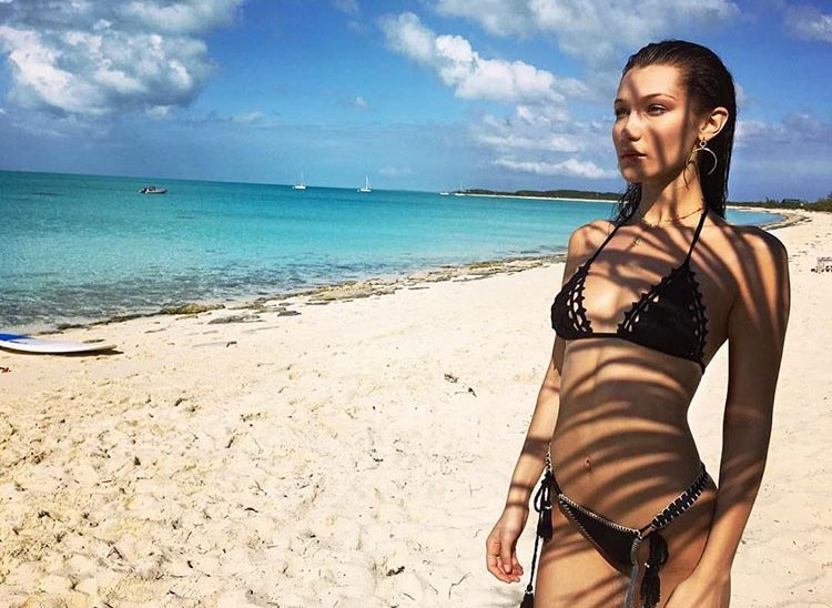 Bella Hadid nas Bahamas (Foto: Reprodução/Instagram)