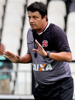 Adilson batista vasco treino (Foto: Marcelo Sadio / Vasco.com.br)