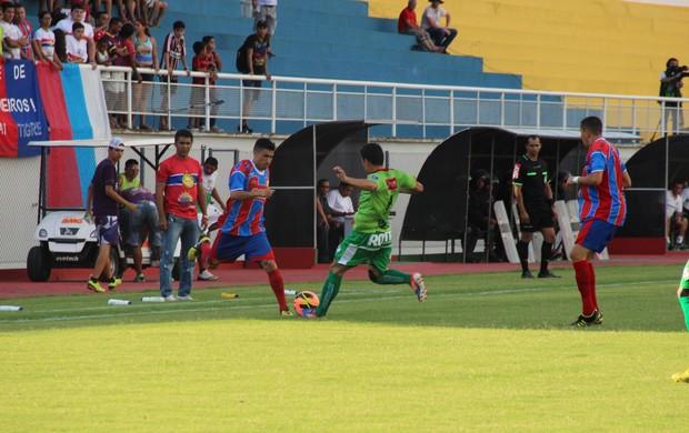 Plácido de Castro e Salgueiro se enfrentaram no estádio Florestão (Foto   João Paulo Maia 496fa89072582