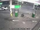 Australiano dá 'salto ninja' para evitar roubo de seu carro