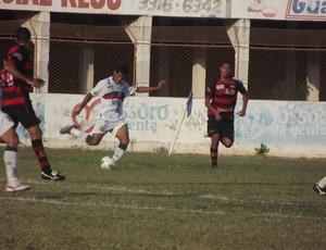 Alvinho marcou o primeiro gol do Baraúnas diante do Campinense (Foto: Bruno Araújo/GLOBOESPORTE.COM)