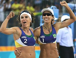 Adriana Behar e Shelda, Olimpíadas de Atenas (Foto: Getty Images)