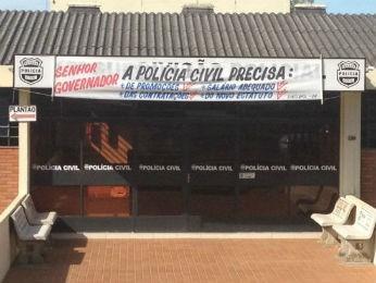 Policiais civis do Paraná encerraram paralisação nesta quinta-feira (Foto: Joel Nascimento/RPC TV)