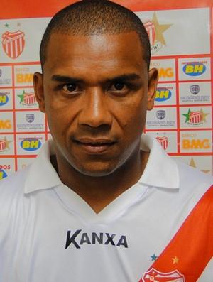 Álvaro, zagueiro do Villa Nova (Foto: Leonardo Simonini/Globoesporte.com)