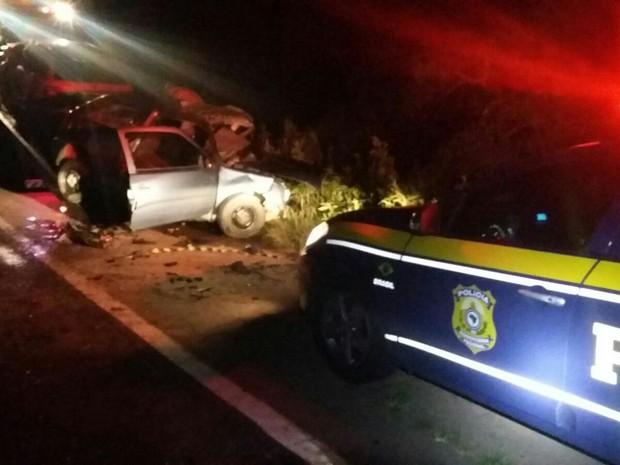 Acidente em Tapes envolveu dois veículos e quatro homens morreram (Foto: PRF/Divulgação)
