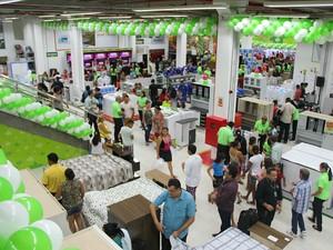 Gerente da Apa M�veis estima que as vendas devem aumentar 10% neste per�odo (Foto: Adneison Severiano/G1 AM)