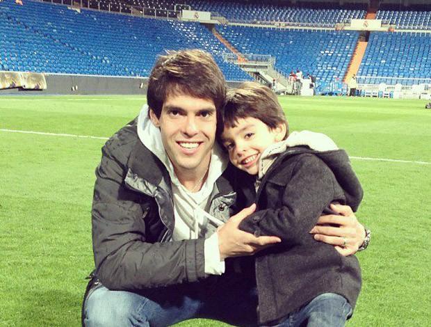 Kaká e seu filho Luca, após vitória sobre o Mallorca no Bernabeu  (Foto: Reprodução / Facebook Oficial)